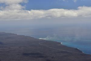 Küstenstrasse, Lava fliesst ins Meer